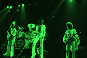 Queen 6_Hammersmith Odeon_(c)Douglas Puddifoot _G