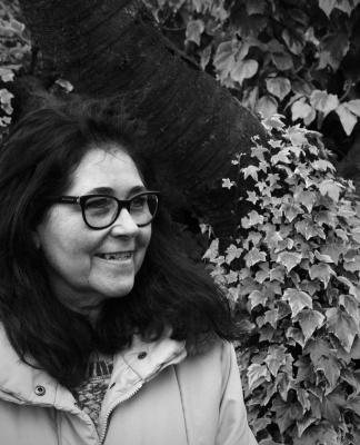Nadia Alberici e la sua silloge Mi prende d'amore una forma: immagini evocative dovute a uno sguardo curioso