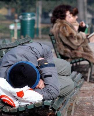 La povertà intono a noi