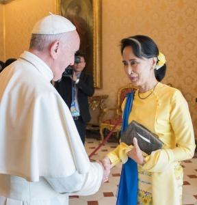 Myanmar, i Rohingya stranieri in patria e la mano dei militari